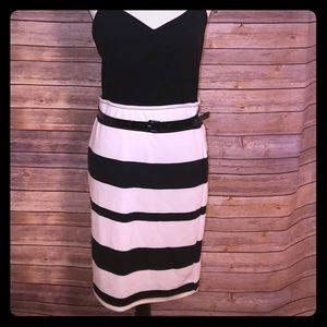 🕋METAPHOR black and white striped pencil skirt